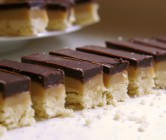 millionaire's shortbread (the homemade twix bar.)