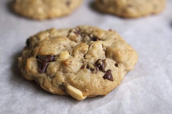 banana choco-nuts cookies.