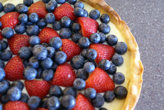 easy fresh fruit tart + pastry cream.