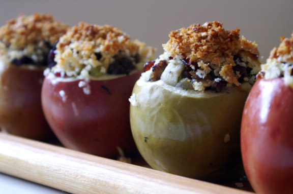 thanksgiving-stuffed apples.