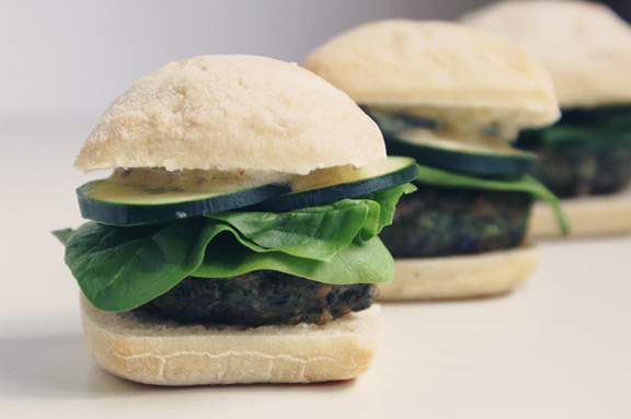 mediterranean turkey + spinach mini burgers.