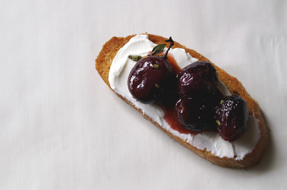 roasted grape + rosemary crostini with rose hip puree.